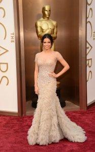 Jenna-Dewan-Tatum-wearing-Reem-Acra-2014-Oscars