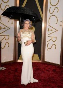 Kelly-Osbourne-wearing-Badgley-Mischka-dress-Solange-Azagury
